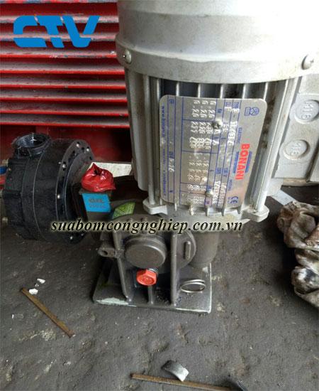 Dịch vụ sửa máy bơm công nghiệp nhanh chóng, uy tín tại Hà Nội