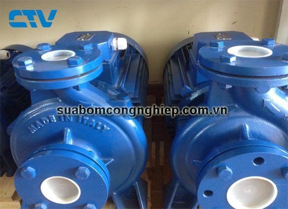 Sửa máy bơm nước công nghiệp Stac