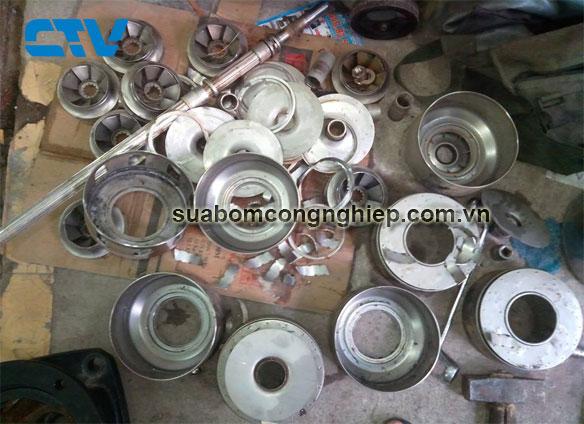 Thay cánh máy bơm công nghiệp tại xưởng của Cường Thịnh Vương